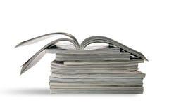Ein Stapel Zeitschriften stockfotografie