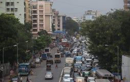 Ein Stau in der Stadt von Mumbai, eins des bevölkerten c Stockbilder