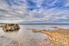 Felsen im Wasser Lizenzfreies Stockfoto