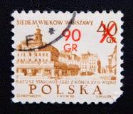 Ein Stempel, der in Polen gedruckt wird, um UNESCO-Welterbe zu gedenken, zeigt altes des 18. Jahrhunderts Rathaus, circa 1965 Lizenzfreie Stockfotos