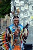 Ein Straßenmusiker lizenzfreie stockfotografie