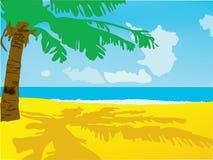 Ein Strand mit dem Meer und einer Palme Lizenzfreies Stockbild