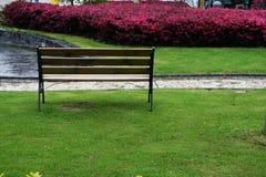 Ein Stuhl im Garten in Zhangjiang Shanghai Lizenzfreies Stockbild