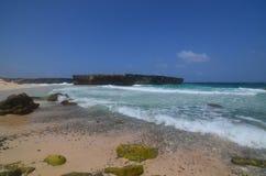 Ein szenischer Blick bei Boca Keto auf der Insel von Aruba Stockfoto