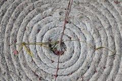 Ein tadellos Kreisspiralförmig umwickeltes Seeseil Stockbild