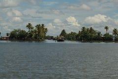 Ein Tag in den Stauwassern von Kerala lizenzfreie stockbilder