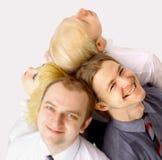 Ein Team der glücklichen Geschäftsleute Lizenzfreies Stockfoto