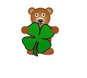 Ein Teddybär-Holding-Shamrock lizenzfreie abbildung