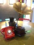 Ein Telefon und ein Grammatiktelefon Stockfoto