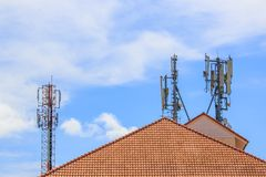 Ein Telekommunikationskontrollturm Stockbilder