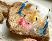 Ein Toast als Geburtstagskuchen Lizenzfreies Stockfoto