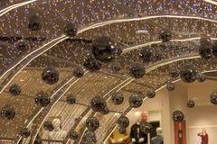 Ein Tunnel von Weihnachtslichtern lizenzfreie stockfotografie