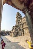 Ein Turm von Angkor Wat Ansicht von der secon Einfriedungsmauer, Siem Reap, Kambodscha Lizenzfreies Stockbild