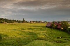 Ein typisches russisches Dorf lizenzfreie stockfotos