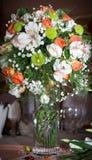 Ein Vase mit Blumen Stockfotos
