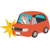 Ein Verkehrsunfall des älteren Fahrers Stockbilder