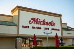 Ein vorderes Zeichen des Speichers für Michaels stockbilder