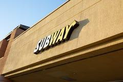 Ein vorderes Zeichen des Speichers für U-Bahn lizenzfreie stockfotografie