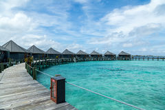 Ein Wasserbungalow auf einer Insel Lizenzfreies Stockfoto