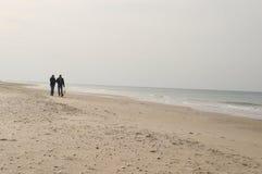 Ein Weg auf dem Strand Stockbilder