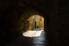 Ein Weg der alten Stadt des Morgens stockbilder
