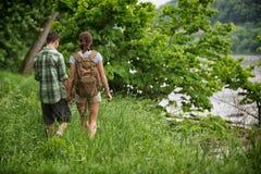 Ein Weg durch das Gras Lizenzfreies Stockbild