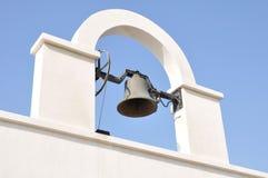 Ein weißer Glockentorbogen Stockbilder
