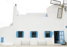 Ein weißes Haus Lizenzfreie Stockfotografie