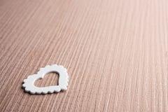 Ein weißes Herzsymbol Lizenzfreies Stockbild