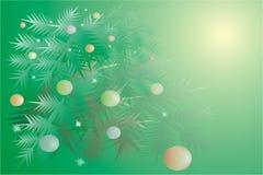 , ein Weihnachtenc$pelzbaum mit Kugeln an feierlichem Stockfotos