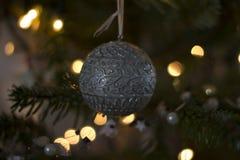 Ein Weihnachtsball Lizenzfreie Stockfotografie