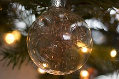 Ein Weihnachtsball Stockfoto
