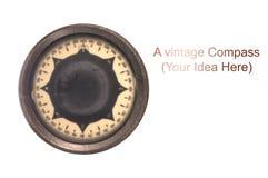 Ein Weinlesekompaß benutzt für Navigation stockfotografie