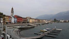 Ein windiger Wintertag in Ascona, eine Kleinstadt auf See Maggiore stock video