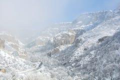 Ein Winterpanorama von Geghard-Kloster Lizenzfreie Stockfotografie