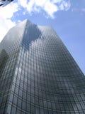 Ein Wolkenkratzer in Frankfurt stockbild