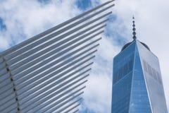 Ein World Trade Center- und Oculus-Gebäude in New York Stockbild