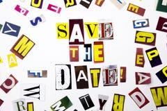 Ein Wortschreibenstext, der Konzept der Abwehr das Datum gemacht vom unterschiedlichen Zeitschriftenzeitungsbuchstaben für Geschä Lizenzfreie Stockbilder