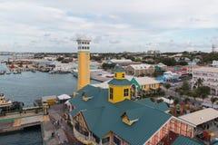 Ein wunderbarer Hafen Nassau zwei stockbilder