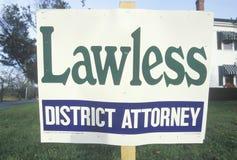 Ein Zeichen, das ï ¿ ½ gesetzloses Bezirk Attorneyï-¿ ½ liest lizenzfreies stockbild