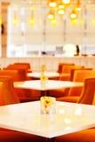 Ein zeitgenössisches Restaurant Lizenzfreie Stockfotografie