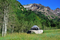 Ein Zelt in der Wildnis Lizenzfreie Stockfotografie