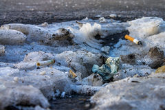 Ein zerknitterter Dollar auf der Straße in Russland Stockfotografie