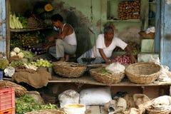 Ein ziemlich schmutziger Gemüsemarkt Stockbild