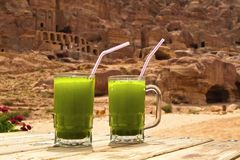 Ein Zitronengetränk in Petra City, Jordanien Lizenzfreie Stockfotos