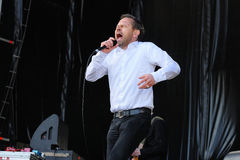 Einar Orn Benediktsson sångare av den Ghostigital musikbandet Royaltyfri Foto