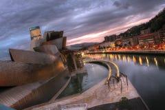 Einbruch der Nacht Bilbaos Guggenheim Lizenzfreie Stockfotografie