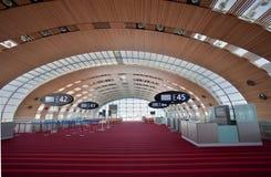 Eind 2E van Parijs - de Luchthaven van Charles de Gaulle Stock Foto's