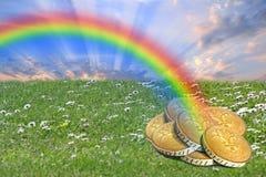 Eind van regenboogpot van gouden schat royalty-vrije stock foto's