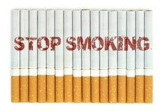 Einde die, sigaretten roken die op witte achtergrond worden geïsoleerd royalty-vrije stock afbeelding